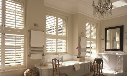 Tier+on+tier+Shutters+Bathroom